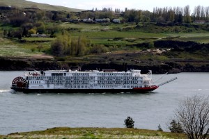 American empress going upstream to The Dalles